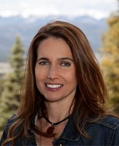 Lisa Sutton - real estate agent at Coldwell Banker Mountain Properties